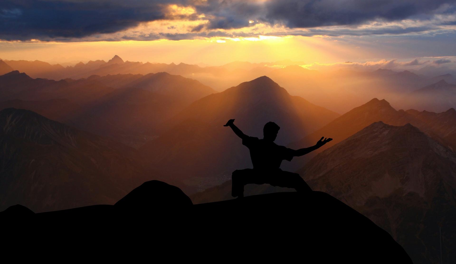 ¿Qué ejercicios me ayudan a mejorar mi bienestar emocional?
