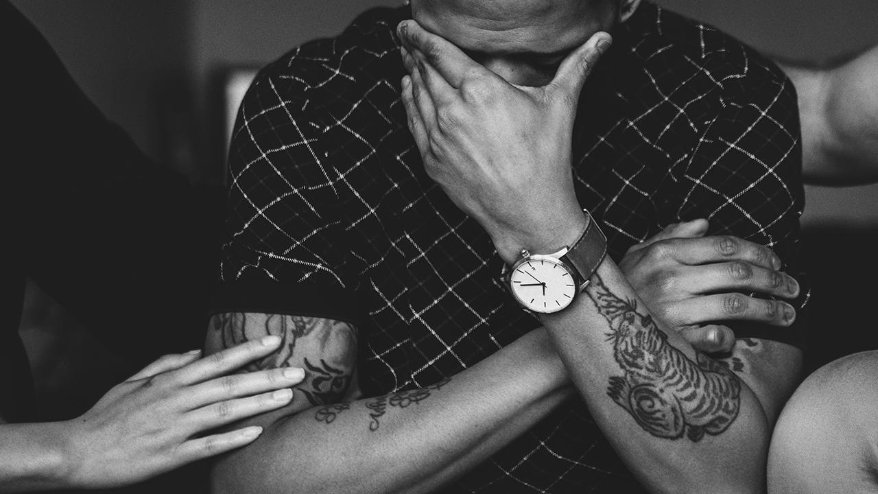 ¿Qué es la adicción y como deben actuar los familiares de un adicto?