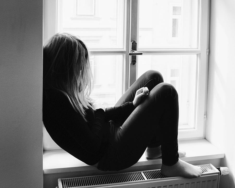 ¿Cómo tratar el duelo en terapia online para adolescentes?